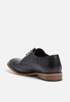 basicthread - Lethabo leather dress shoe