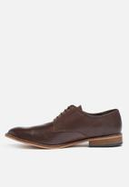 basicthread -  Lethabo leather dress shoe