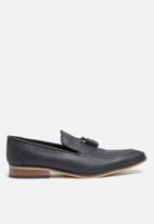 basicthread - Percy black leather loafer