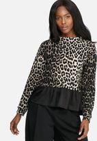 dailyfriday - Sweater blouse