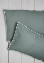 Sixth Floor - Piped grey pillowcase set