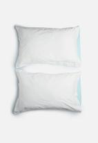 Sixth Floor - Reversible pillowcase set