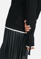 dailyfriday - Fluted sleeve jersey