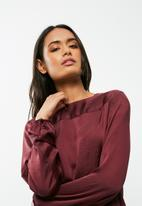 dailyfriday - Pleat back blouse