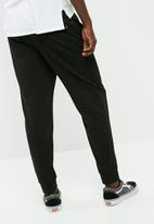 basicthread - Basic slim fit sweatpant