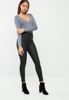 Missguided - Long sleeve v neck bodysuit