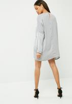 Missguided - Oversized satin dress