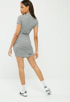 Missguided - Choker neck short sleeve bodycon dress