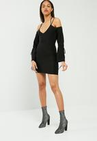 Missguided - Cold shoulder balloon sleeve bodycon dress