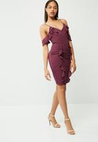 Missguided - Crepe frill cold shoulder midi dress