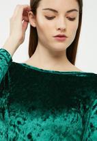 dailyfriday - Velvet round neck top