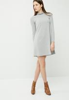dailyfriday - Cut & sew turtleneck swing dress