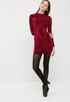dailyfriday - Crushed velvet long sleeve bodycon