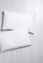 Sixth Floor - Polycotton pillowcase set - white
