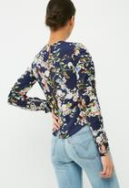 dailyfriday - Ruched sleeve blouse