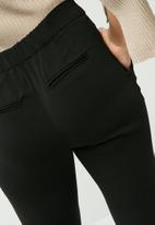 Vero Moda - Maili ankle pants