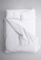 Sixth Floor - Polycotton fitted sheet - white