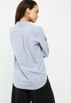 Jacqueline de Yong - Isaak patch striped shirt