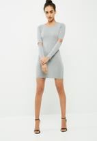 Missguided - Slash elbow long sleeve bodycon dress