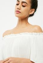 Vero Moda - Patricia off the shoulder top