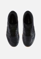 b0be1c6251b11 Reebok Classic Leather Clean Exotic - BS8229 - Black Chalk Gum ...