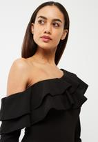Missguided - Frill off the shoulder bodycon dress