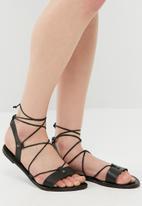 dailyfriday - Sojourn sandal