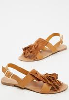 dailyfriday - Tassel and fringe sandal