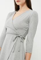 dailyfriday - Cut & sew mock wrap dress