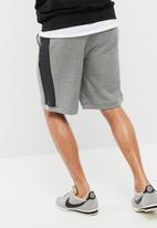 Nike - Air Sweatshorts