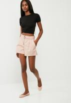 dailyfriday - D ring shorts