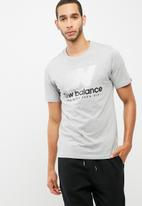New Balance  - Essentials speed tee