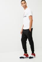 New Balance  - Essentials speed tee