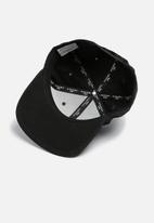 Jack & Jones - Circle snapback cap