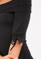 dailyfriday - Off shoulder ruched sleeve bodysuit