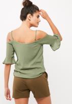 Noisy May - Alberte cold shoulder top
