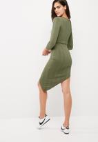 Missguided - Cut out rib midi dress