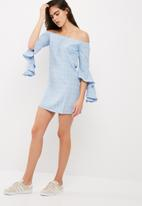 Missguided - Bardot ruffle sleeve shift dress