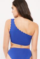 Missguided - Scallop edge one shoulder bikini top