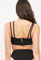 Missguided - Strappy bandeau bandage bikini top