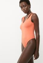 Missguided - Washed deconstructed neck bodysuit