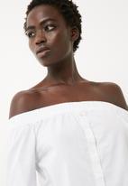 Jacqueline de Yong - Quint off shoulder top
