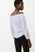 Jacqueline de Yong - Quint off shoulder top