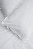 Sixth Floor - Pom pom pillowcase set