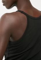 Jacqueline de Yong - Kenya cropped top