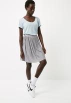 Jacqueline de Yong - Nice skirt