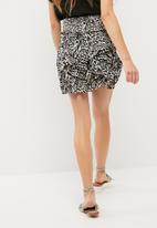 Vero Moda - Holly smock layered skirt