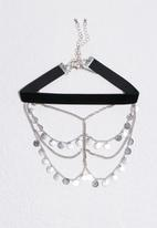 Missguided - Ethnic disk detail choker necklace