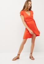 dailyfriday - Viscose knit mock wrap dress