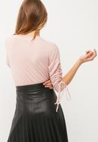 dailyfriday - Ruched sleeve detail top